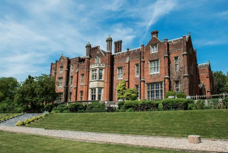 Buckinghamshire Stay, Afternoon Tea & Champagne - Dinner Option!