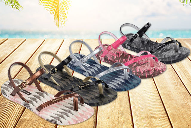 c8060c923379 £14 instead of £25 (from Galaxy Sports) for a pair of Ipanema Diamond V  women s flip flops - choose from six colours and save 44%