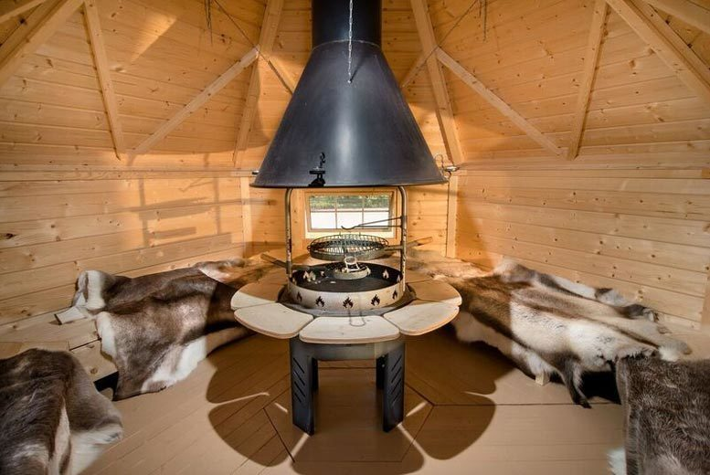 Elton Barn BBQ Hut Glamping Stay & Fishing for up to 4, Nottingham