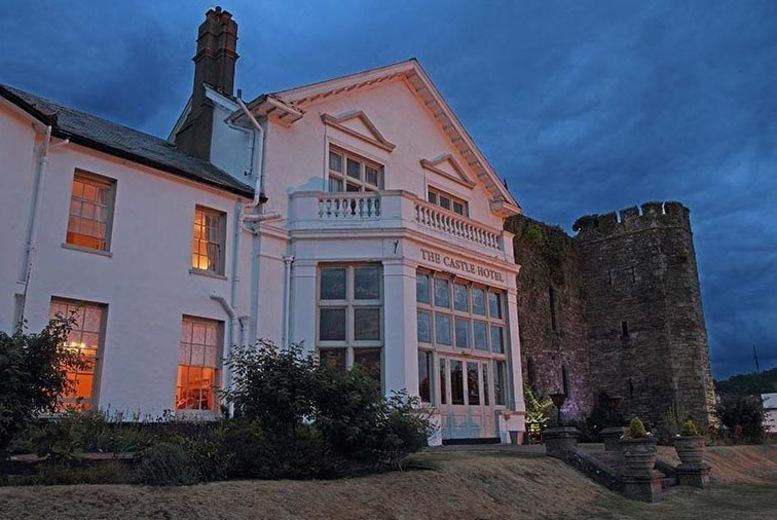 Brecon Beacons Castle Retreat, Breakfast & 2-Course Dinner for 2