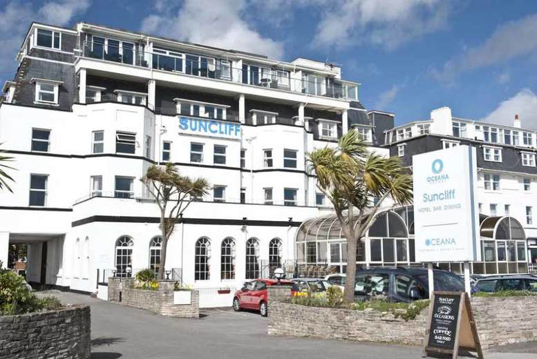 Seaside Bournemouth Break, Dining & Breakfast for 2