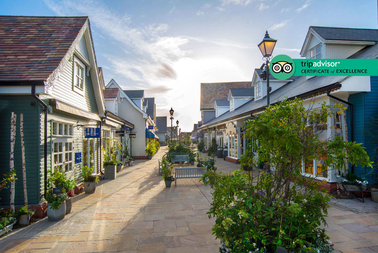 Oxfordshire Stay for 2 with Dinner & Breakfast @ 4* Magnolia Park Hotel - 10% off at Bicester Village!